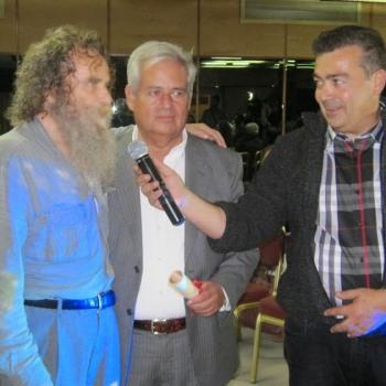Η βράβευση του Αντώνη Ξυλούρη (Ψαραντώνη) στο 1ο εθνομουσικολογικό συνέδριο του Θύραθεν